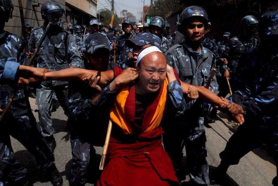 मानव अधिकारों को कुचलने वाला वामपंथी चीन