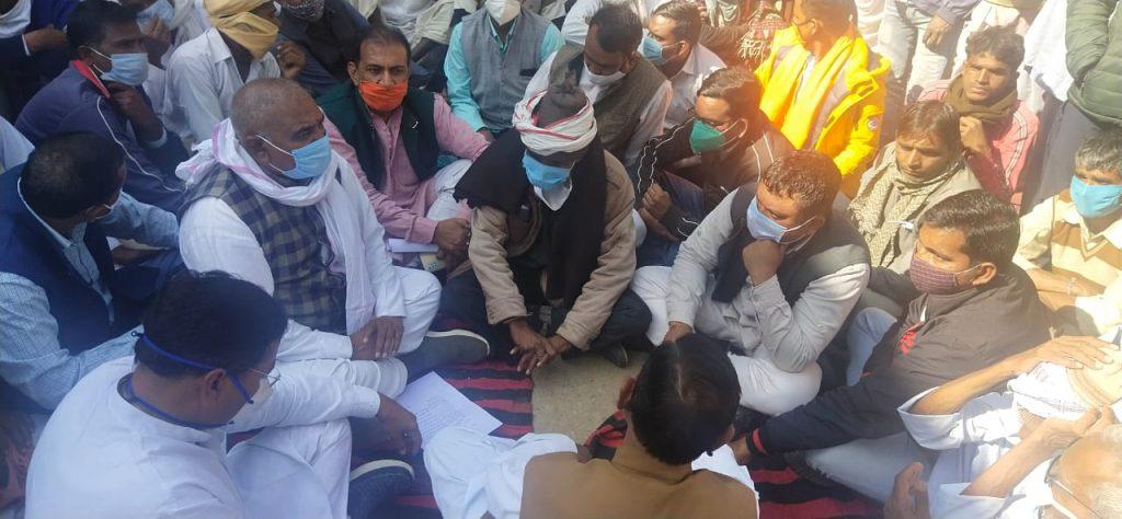 बालेटा गांव में खेत में तारबंदी कर रहे परिवार पर आरिफ, तैयब ने किया हमला, धर्मचंद की मौत