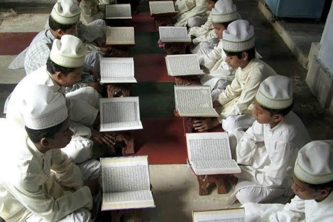 असम - सरकारी मदद से चलने वाले मदरसों को सामान्य स्कूलों में बदला जाएगा