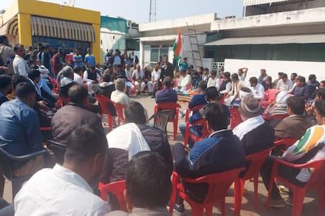 आंदोलनकारी 'किसानों' पर खेतों में काम कर रहे किसानों का गुस्सा फूटा