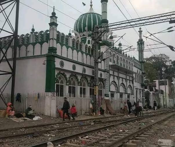 मंदिर ही क्यों, गैरकानूनी तरीके से बने मजार, मस्जिद और चर्च भी हटने चाहिए