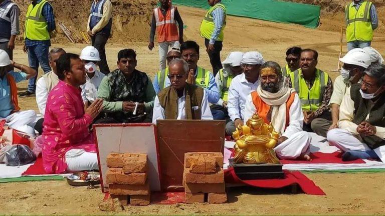 श्रीराम मंदिर का निर्माण कार्य शुरू, मलबे के कारण खोदनी पड़ी 40 फिट गहरी नींव