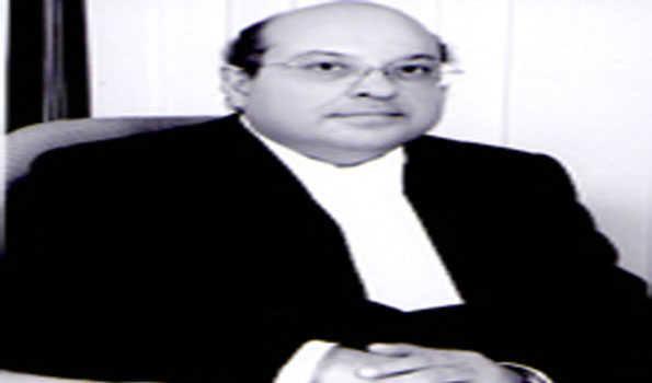 न्यायाधीश नरीमन ने ऋग्वेद पर की विवादास्पद टिप्पणी, स्वामी विज्ञानानंद ने दी बहस की चुनौती