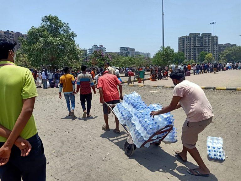 मुंबई : श्रमिकों की सहायता के लिए विश्व हिन्दू परिषद ने बढ़ाया हाथ