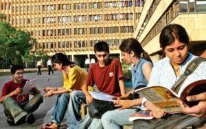 अब इंजीनियरिंग की पढ़ाई हिंदी एवं सात भारतीय भाषाओं में की जा सकेगी