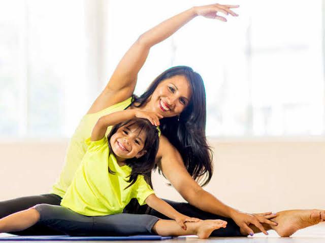 स्वस्थ रहने के लिये नित्य योगासन करें